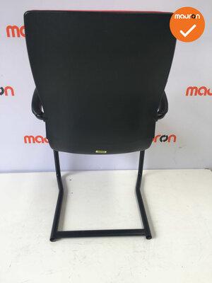 Ahrend 230 refurbished  - Kleur frame naar keuze - Nieuwe stoffering in Felrood