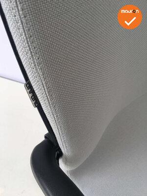 Ahrend 230 refurbished  - Kleur frame naar keuze - Nieuwe stoffering in Lichtgrijs
