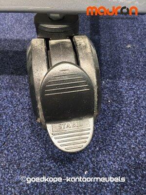 Onderstel met wielen voor Ahrend 120cm brede roldeurkast - Grijs