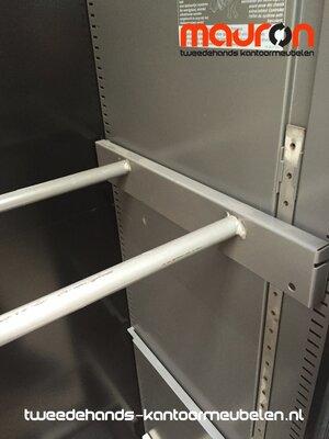 Hangmap beugel voor 120cm Ahrend roldeurkast - Lichtgrijs