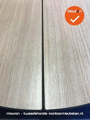 Ahrend 500 vergadertafel - 320 x 160cm - Ovaal - Grijs eiken