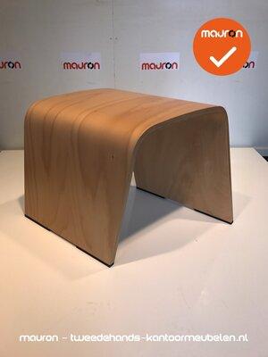 Ahrend 601 designkruk - klein dicht model - gelakt hout
