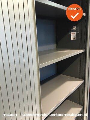 Roldeurkast - Ahrend - 195x120x45cm - Zilvergrijs met zilvergrijs metalen deuren