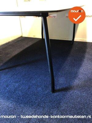 Vergadertafel - 180x115cm - tonvormig - beuken - volkern