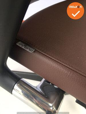 Ahrend 2020 - Hoge rug - bruin kunstleer zitting - Gepolijst aluminium - NIEUWSTAAT