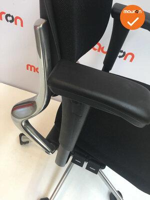 Ahrend 230 - hoge rug  - nieuwe stoffering - Gepolijst aluminium voetkruis en rugbeugel