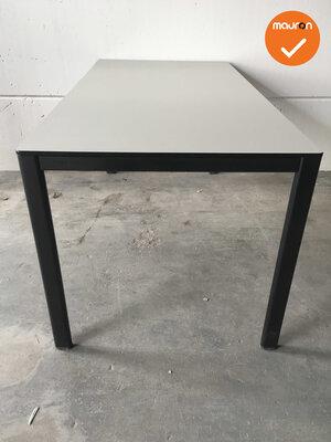 Ahrend vergadertafel - 160x80cm - Grijs  - 4 poots - Zwart frame