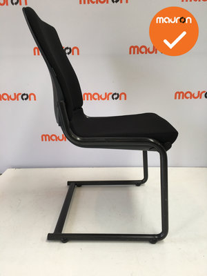 Ahrend 230 - Zwart frame - Nieuwe stoffering in kleur naar keuze - Zonder armleuning