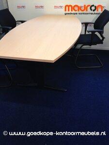 Vergadertafel ton vormig 200 x 100/60cm beuken